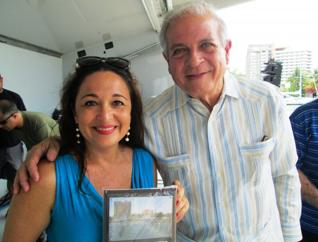 Mayor of Miami Gives Professor Real Estate Suzanne Hollander Award for Her Support of Miami River Property Area